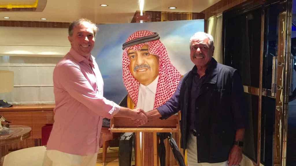 Marcos García junto al Principe Muqrin Bin Abdulaziz de Arabia Saudí.