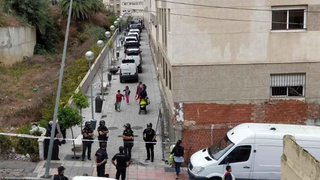 La Policía desaloja a los 'Okupas' en Huerta Téllez.