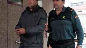 Miguel Ángel Martínez Novoa a su llegada a los juzgados de Xinzo de Limia.