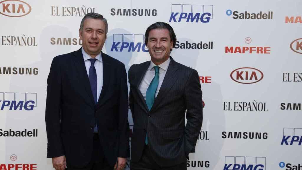 José Luis Perelli y Federico Linares, expresidente y nuevo presidente de EY respectivamente.