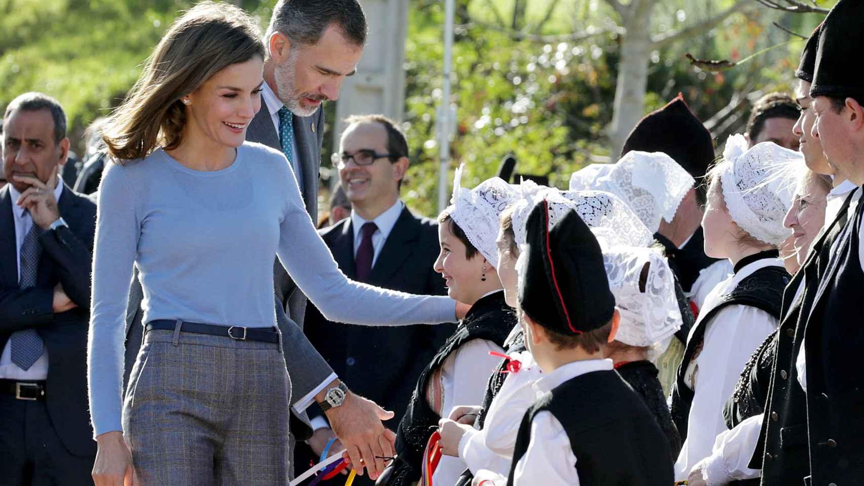 Los reyes entregan el premio al pueblo ejemplar de Asturias