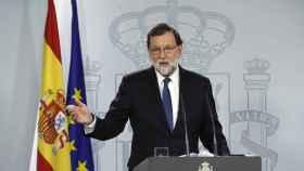El presidente del Gobierno, Mariano Rajoy, anunciando las medidas del artículo 155.