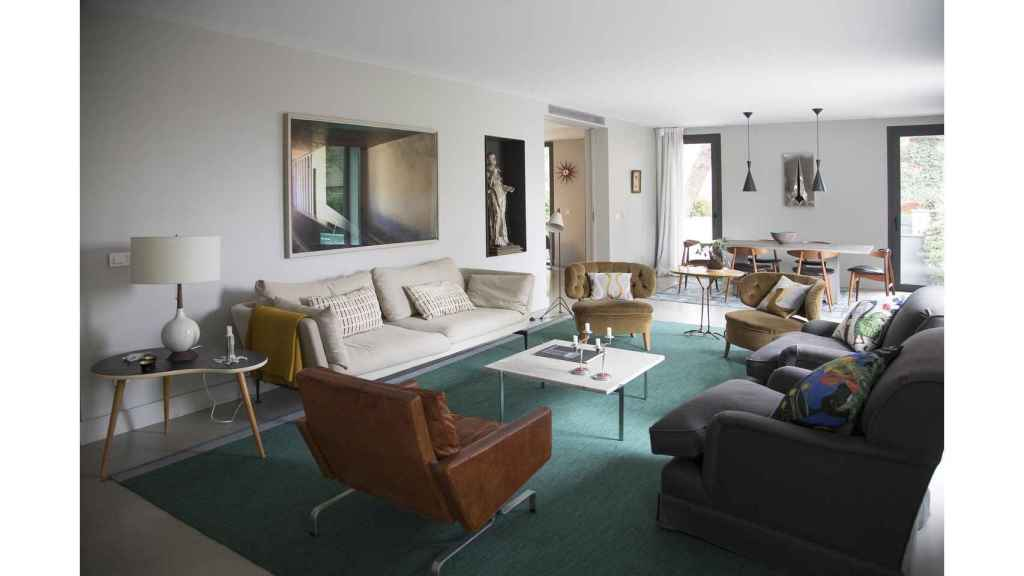 En sus proyectos de arquitectura y decoración le gusta unir piezas antiguas y modernas.