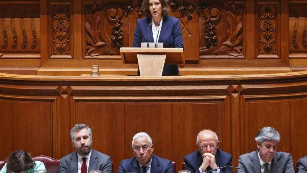 La presentación de la moción de censura en el Parlamento português.