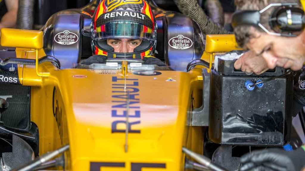 Carlos Sainz, con el equipo Renault.