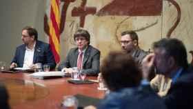 Puigdemont y Junqueras, en el Consell de Govern de este martes.