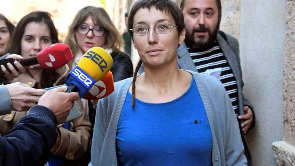 La concejala de Catarroja Datxu Peris a su salida del juicio que se celebra en Sepúlveda