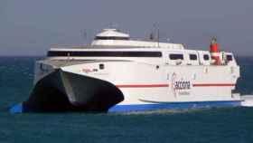 Embarcación de Transmediterránea.