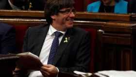 El president de la Generalitat, Carles Puigdemont, durante el pleno en el Parlament.