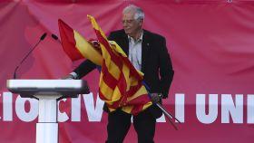 El exministro socialista, Josep Borrell, este domingo en Barcelona.