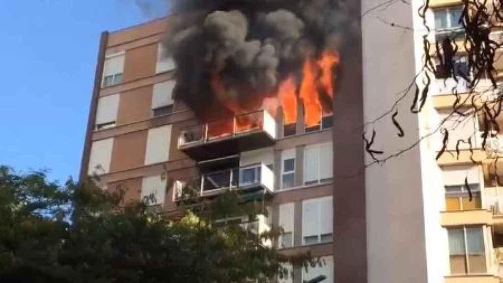 Imagen del piso en llamas