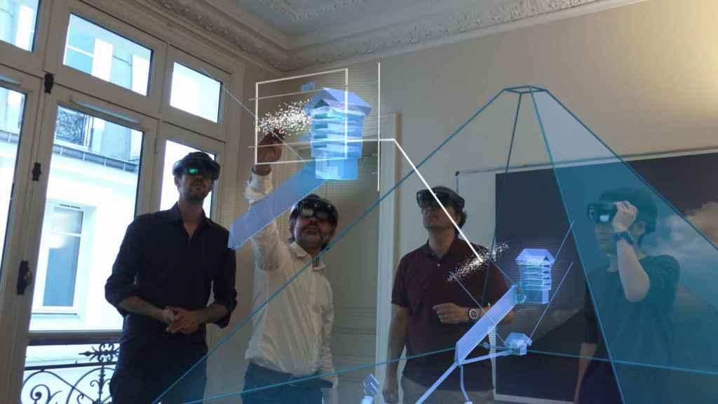 El equipo investigador con las proyecciones.
