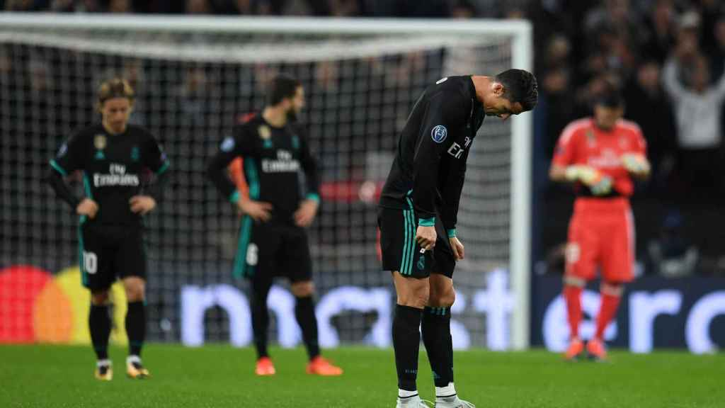 Los jugadores del Real Madrid se lamentan en Wembley.
