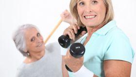 Las pesas conservan el tono muscular en la madurez.