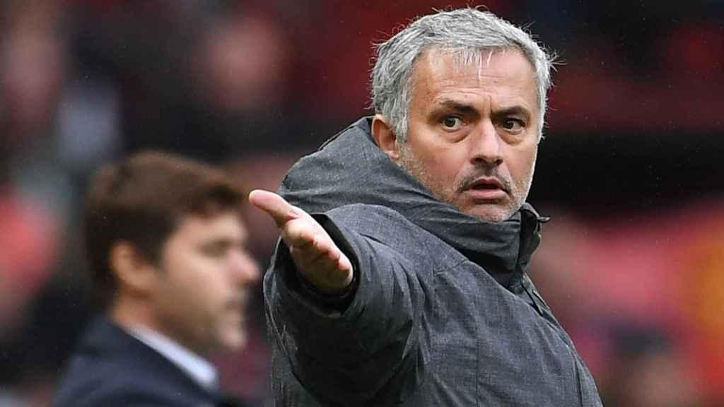 José Mourinho en un partido reciente con el Manchester United.