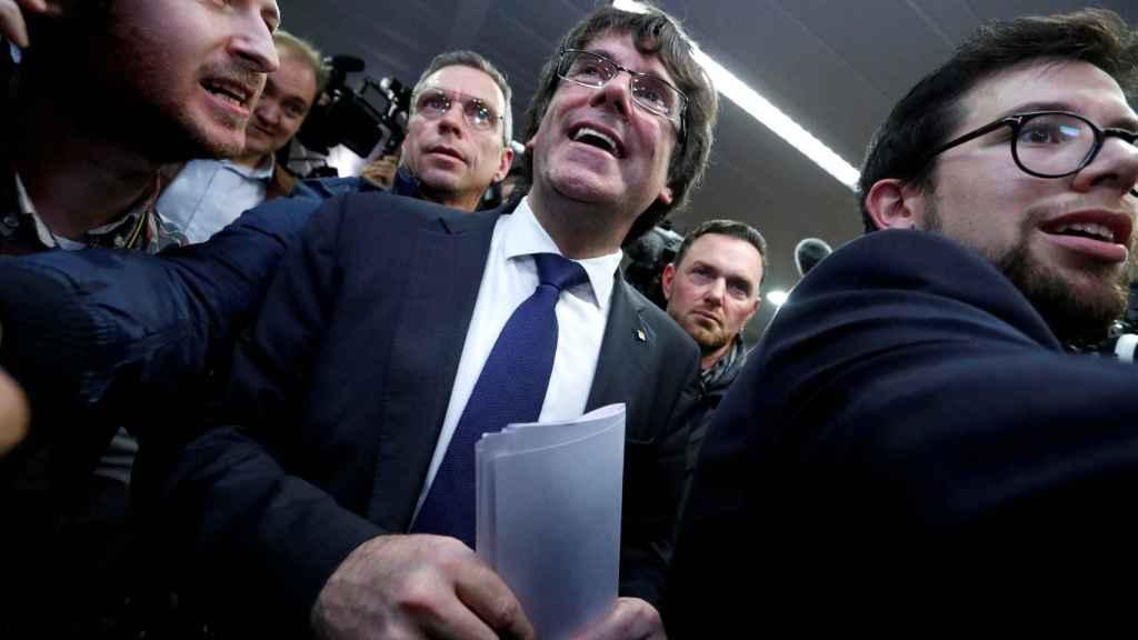 Carlos Puigdemont, el pasado martes, saliendo de una reunión de prensa en el Club Europeo de Prensa de Bruselas.