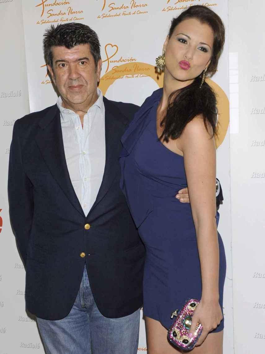 Gil Silgado y María Jesús Ruiz, posando en un photocall.