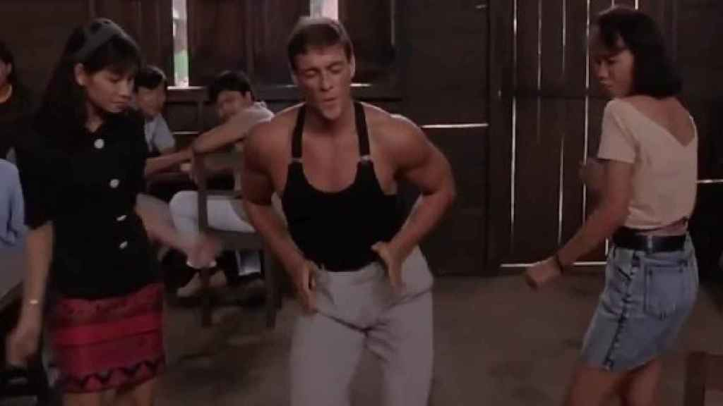 Jean Claude Van Damme bailando en Kickboxer