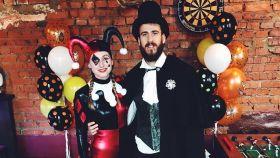 Sergio Rodríguez y su mujer, Ana, en una fiesta de Halloween en Moscú.