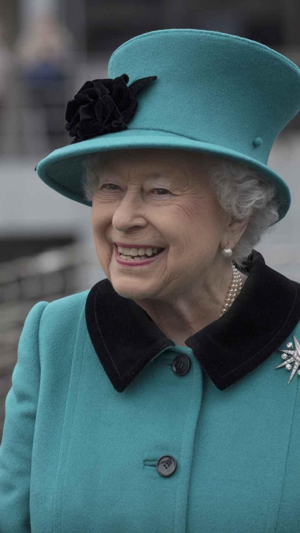 La reina de Inglaterra en un acto oficial.