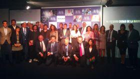 Foto de familia de todos los premiados en Ciudad de la Raqueta.
