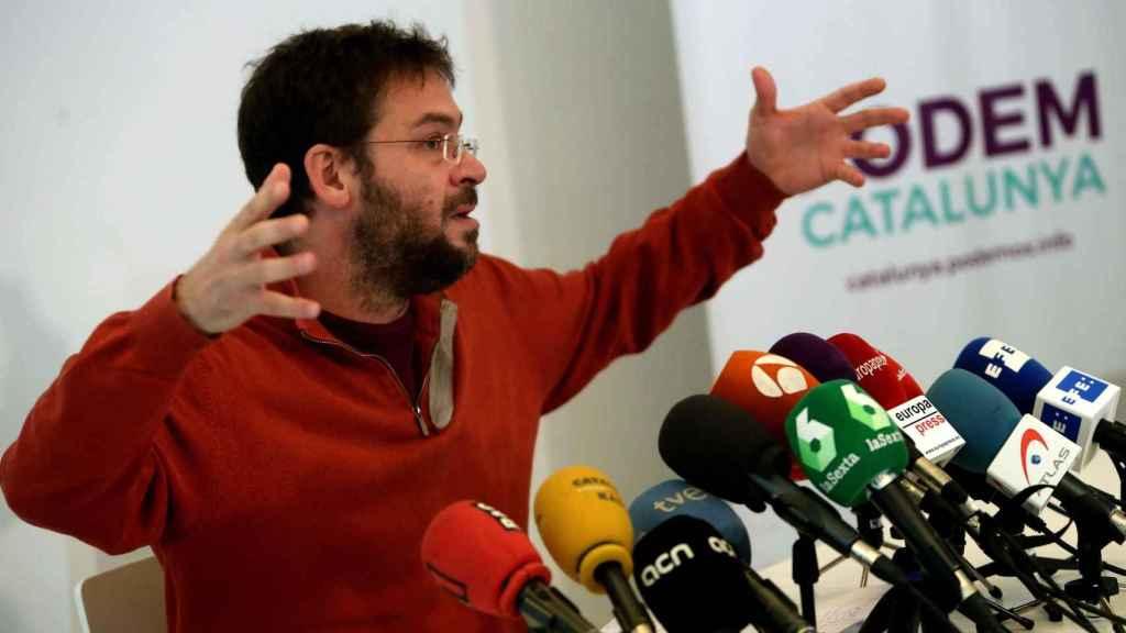 Albano Dante Fachin durante la rueda de prensa en la que anunció su dimisión