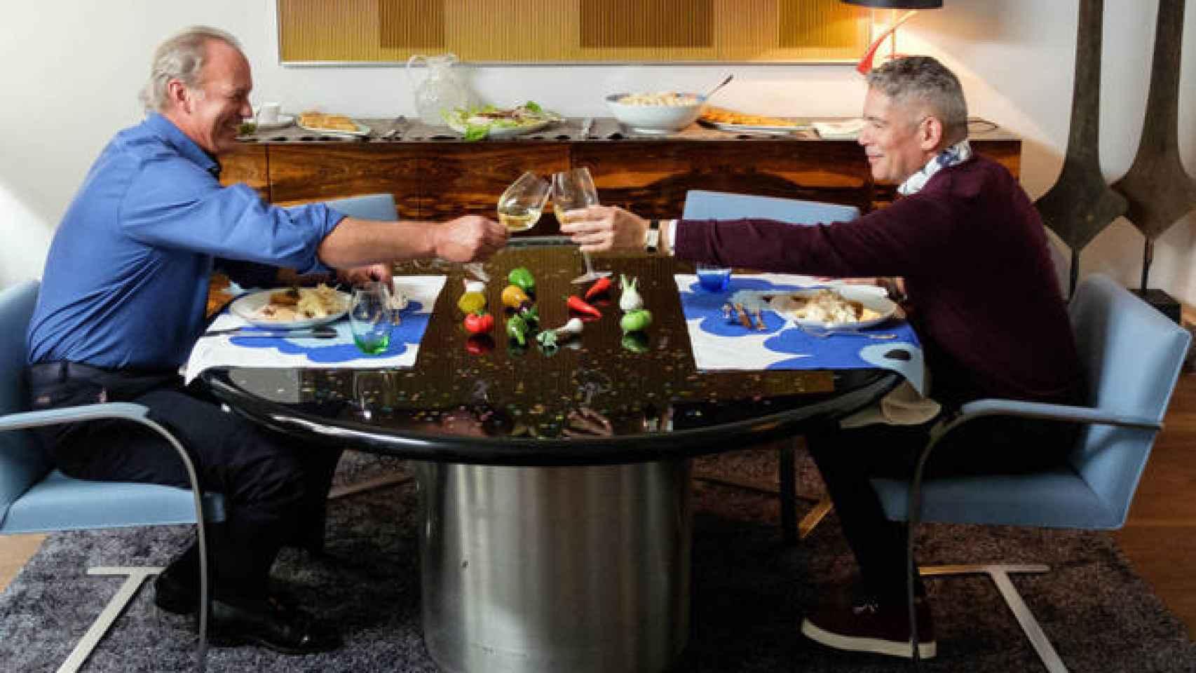 Boris Izaguirre comiendo con Bertín Osborne.