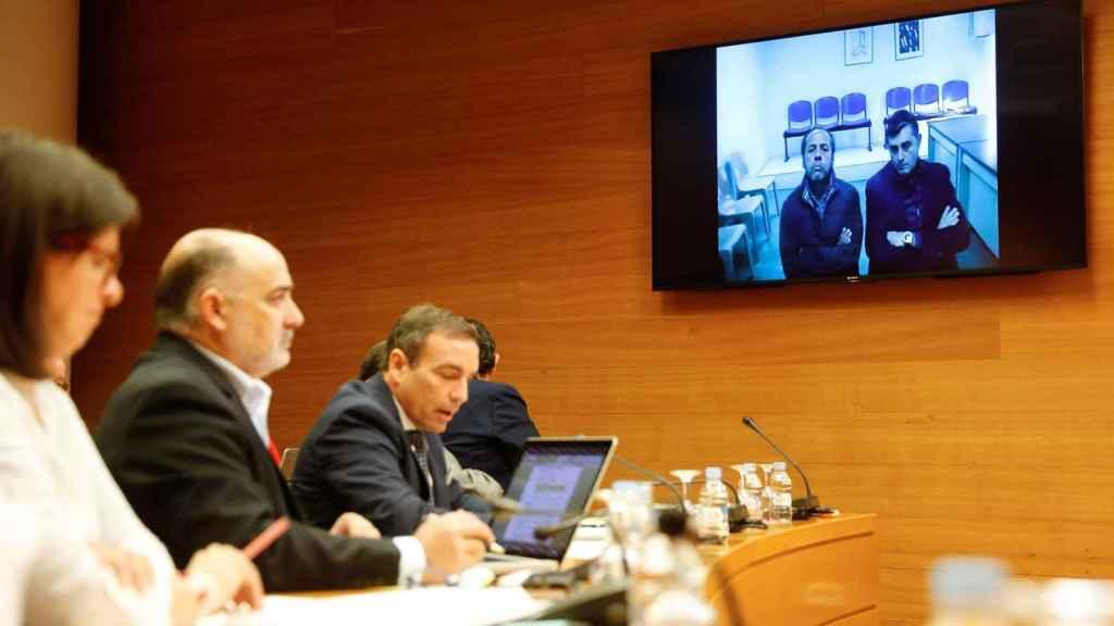 Álvaro Pérez comparece desde la cárcel por videoconferencia ante la comisión de Les Corts Valencianes
