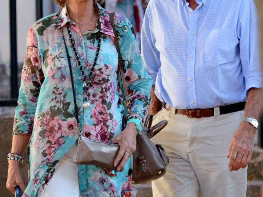 La reina Sofía y Jaime Carvajal Urquijo, en Mallorca en 2013.