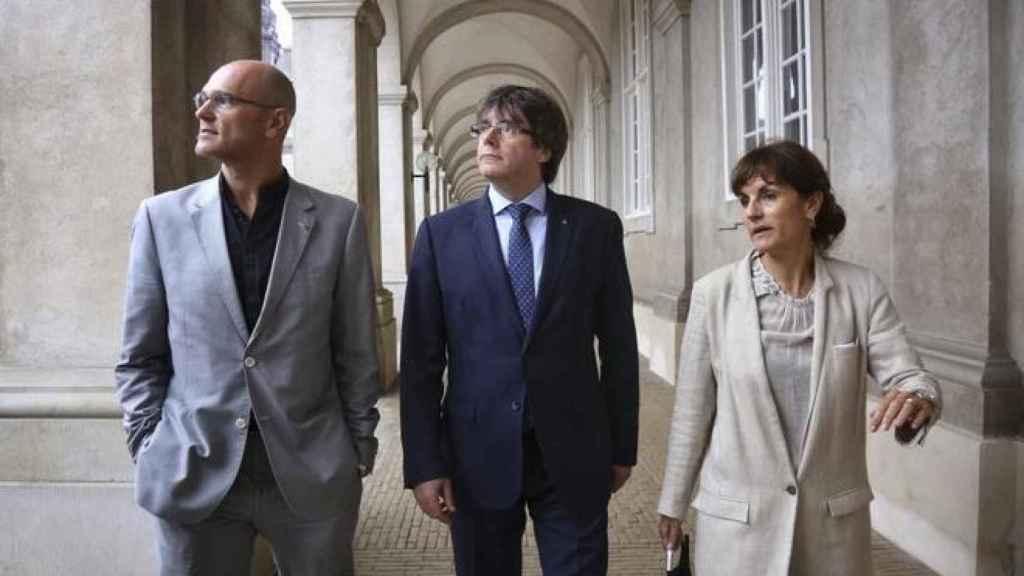 Puigdemont, Romeva y Guardiola en el Parlamento danés.