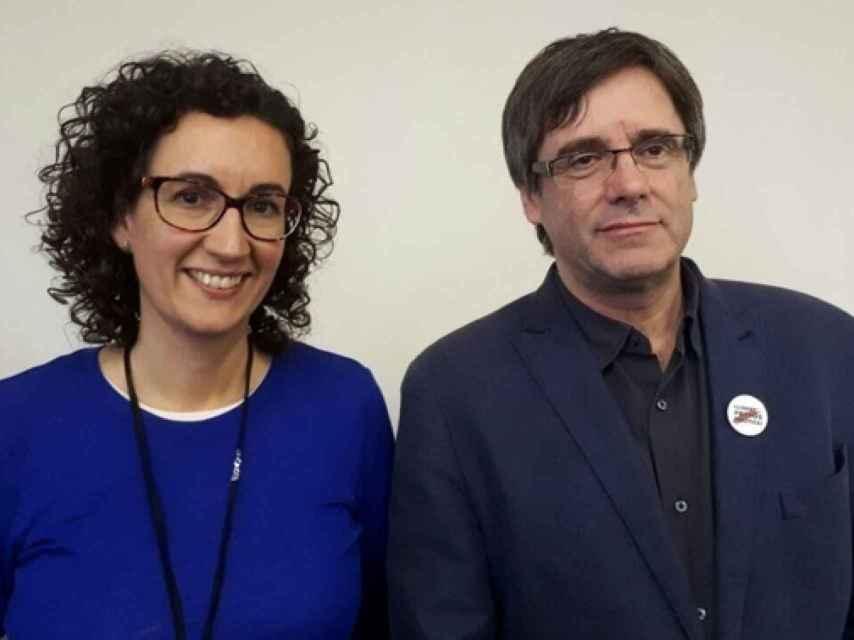 Marta Rovira (ERC) y Puigdemont, este martes en Bruselas.