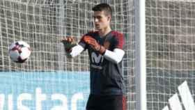 Kepa entrena con la Selección. Foto Twitter (@SeFutbol)