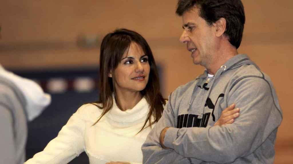 Mónica y Cayetano Martínez de Irujo, muy cómplices en 2009.