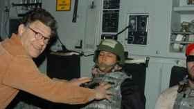 Una modelo denuncia a un senador de EEUU: Me agarró los pechos mientras dormía