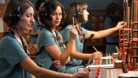 Pasado y futuro: las 'Chicas del cable', serie inspirada en las primeras trabajadoras de Telefónica y que emite Movistar+, fruto de su acuerdo de integración de contenidos con Netflix.