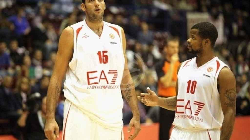 Ioannis Bourousis y Omar Cook durante la estancia de ambos en Milán.