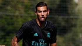 Theo Hernández en la sesión de entrenamiento