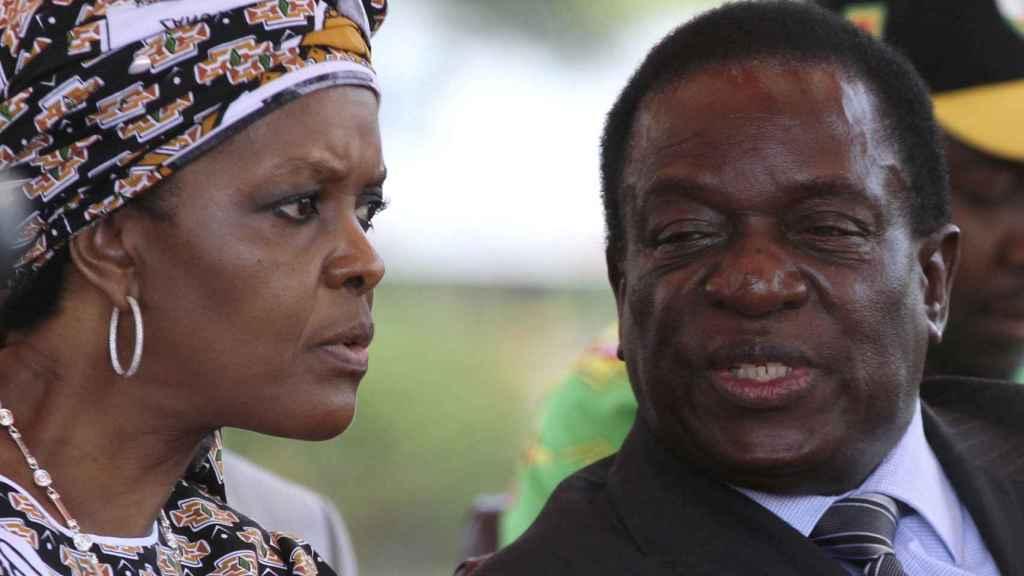 Robert Mugabe y su mujer Grace.