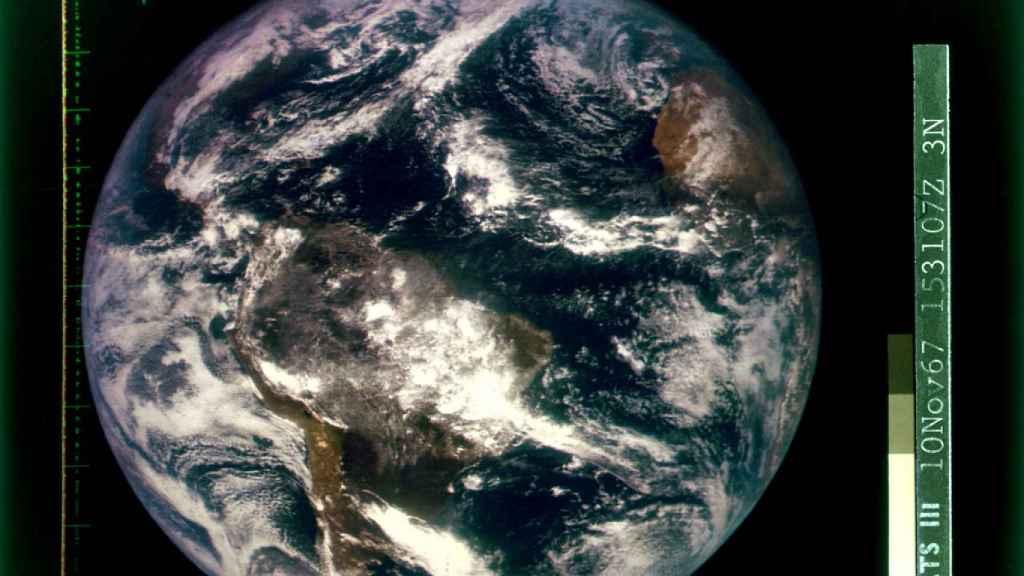 Una foto de la Tierra tomada desde el espacio en 1967.