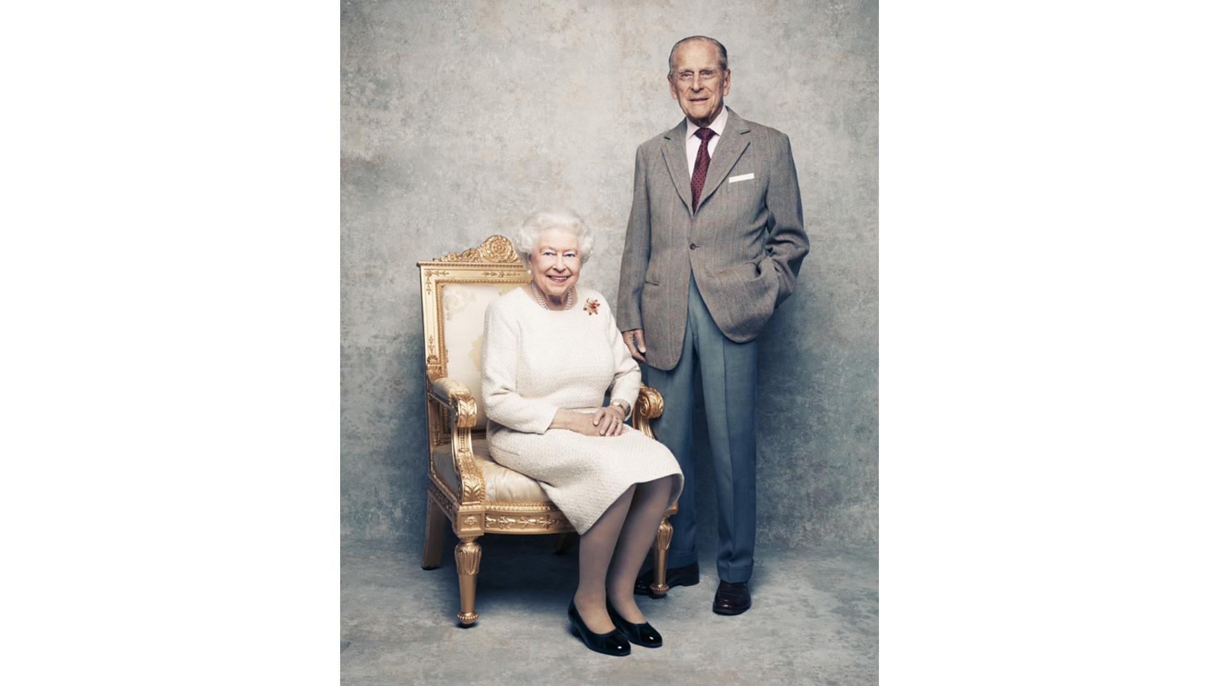 Nuevos retratos oficiales de Isabel II y Felipe de Edimburgo