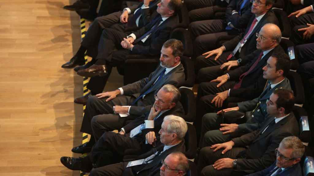 El Rey asume la presidencia de honor de la CEDE a propuesta de Isidro Fainé