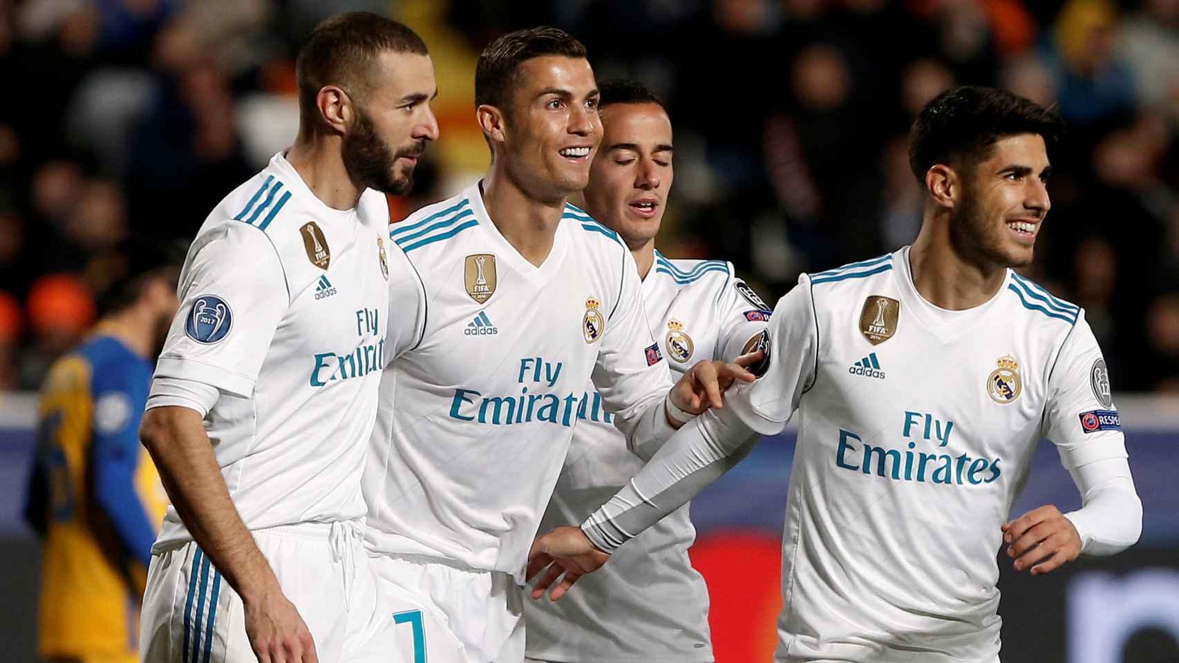 Benzema y Cristiano Ronaldo celebran sus respectivos goles.