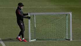 Simeone coloca la portería en la ciudad deportiva Wanda Majadahonda.