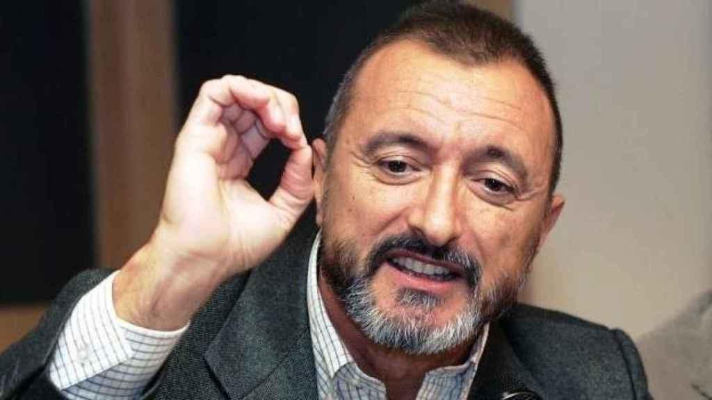 El escritor Arturo Pérez-Reverte ha vuelto a ser contundente en Twitter