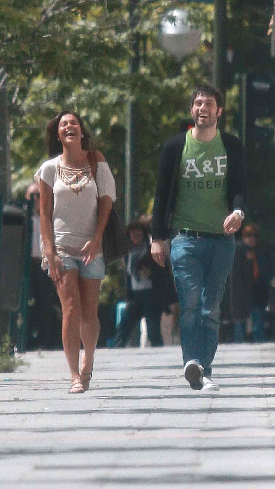 Lara y Dani paseando en 2011