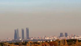 Vista de la capa de contaminación que cubre Madrid estos días