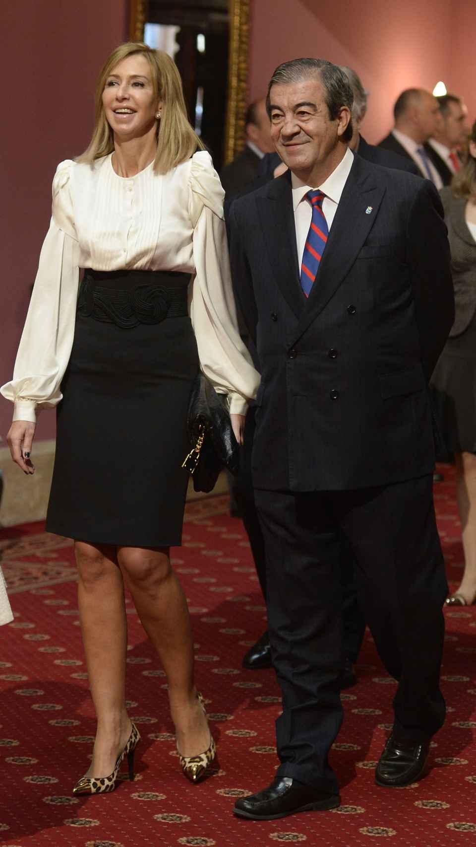 María y Álvarez Cascos