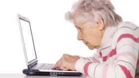 El ordenador, gran aliado contra la demencia.