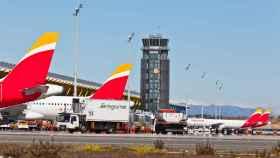Varios aviones de Iberia en el aeropuerto de Madrid.