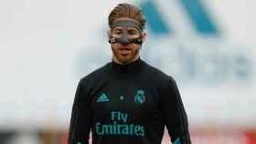 Sergio Ramos entrenando con máscara. Foto: Twitter (@realmadrid)
